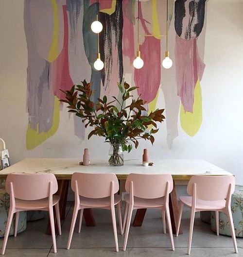 Decoración de hogar en tonos rosados